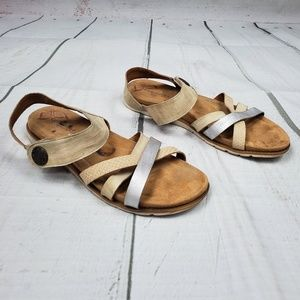 Comfortiva strappy leather comfort sandals flats